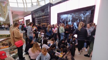 People lining up on November 29 when the new Victoria's Secret store in Chadstone opened last year.