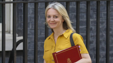 Liz Truss phoned her Australian counterpart for their first official discussion.