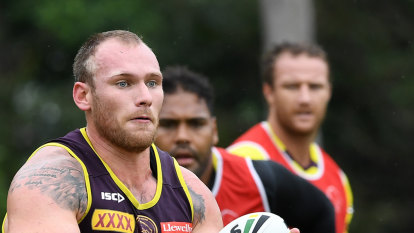 Fans convinced me to sign new Broncos deal, says Lodge