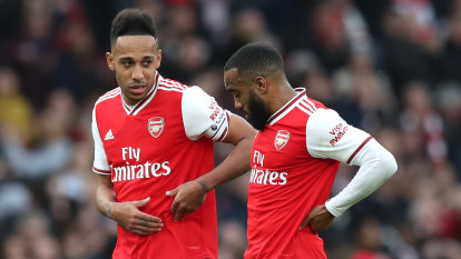 Arsenal players in isolation as virus forces Premier League postponement