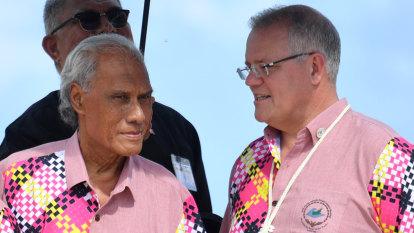 'Champion of democracy': Tongan PM Pohiva dies in New Zealand