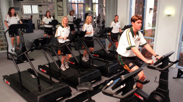 Alicia Ferguson training at the Hyatt Gym in the back row with her Matildas teammates in 1999.