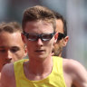 The two Aussies gunning to break marathon world records at Paralympics