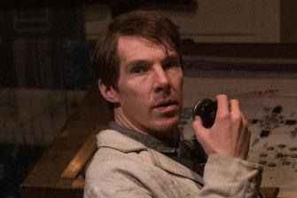 Benedict Cumberbatch as inventor Thomas Edison.