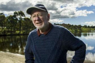 Science pathologist, Dr Bryan Pratt at the Googong Dam.