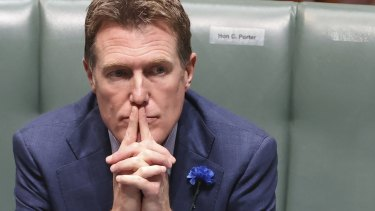 Industry Minister Christian Porter has resigned from the front bench amid intense criticism for accepting an undisclosed sum of money through a blind trust.