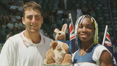 Justin Gimelstob and Venus Williams win the Australian Open mixed doubles title in 1998.