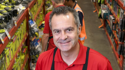 Hardware meets software: Bunnings starts move into online shopping