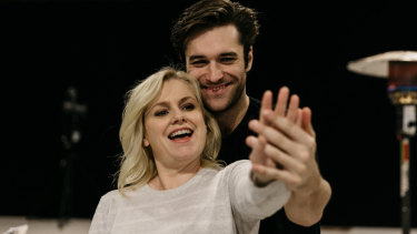 Helen Dallimore and Nic English in rehearsal for End of the Rainbow.