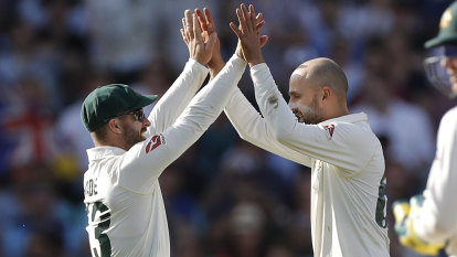 As it happened: Aussies finish day three with flurry, but England on top