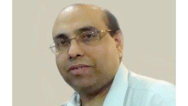 Australian citizen Sunil Khanna died from COVID-19 in India.