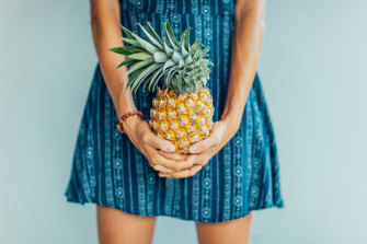 The image of the pineapple has united women struggling to become mothers.