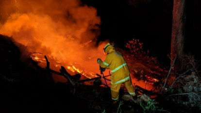 Gold Coast hinterland blaze downgraded after air support called in