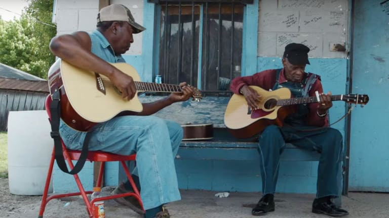 A scene from I am the Blues.