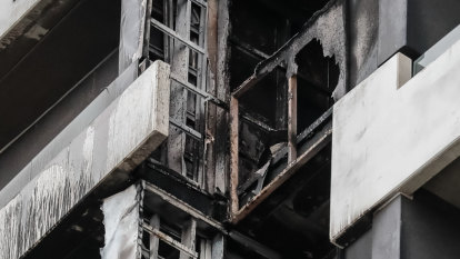 Smoke alarm order with no sign of fix to Melbourne's cladding crisis