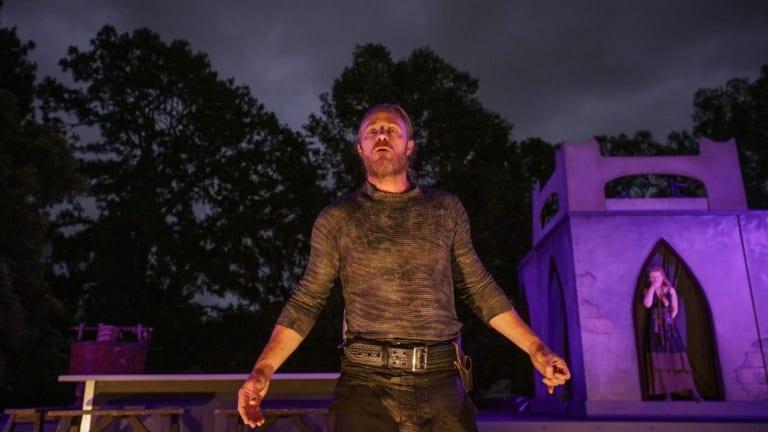 Nathaniel Dean as MacBeth
