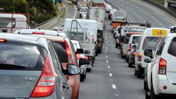 Crashed car occupants missing after lengthy northbound Bruce Highway delays
