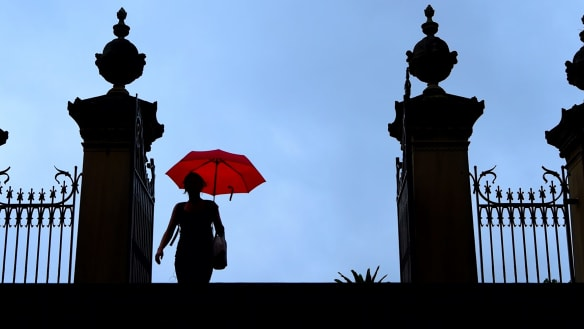 Sydney weather: Dry thunderstorm expected today, wet weekend ahead