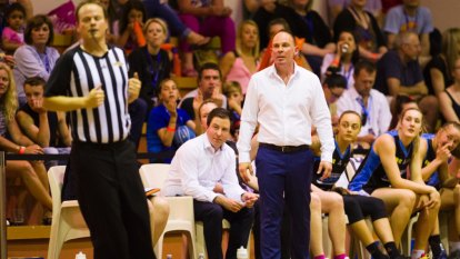 Review into WNBL officiating likely to recommend more support for refs