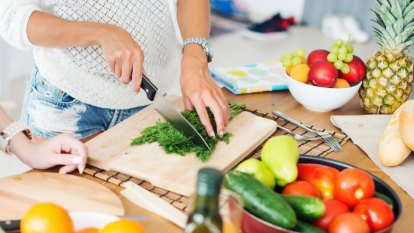 Working mothers 'struggling with pressure to provide healthy meals'