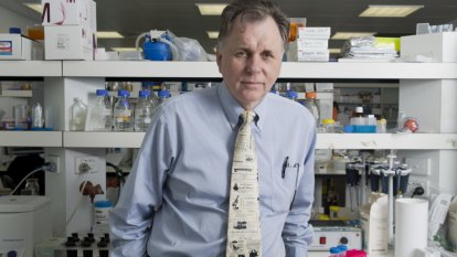 Nobel laureate Barry Marshall to face Perth court over boom gate damage charges