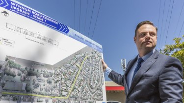 Deputy Mayor Adrian Schrinner speaking to media about the Wynnum Road extention on October 3, 2014.