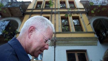 Phillip Bartlett outside one of his Potts Point development's, the Yellow House, in 2003.