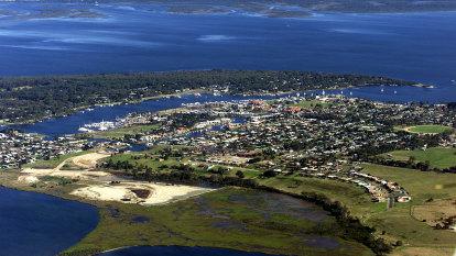 Fish stocks now threatened by bushfire run-off