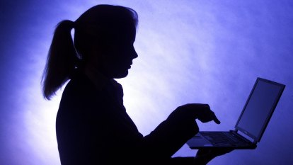 'World first' scheme to tackle online abuse among adults
