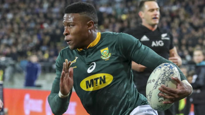 Springbok Aphiwe Dyantyi tests positive for banned substance