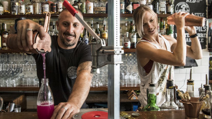Door-to-door cocktails allowed as NSW government lifts restrictions