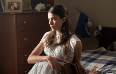 Margaret Qualley plays the mysteriously pregnant Melissa in the disappointing Strange But True.