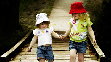 In everyday life, effects that are the result of age have been attributed to birth order.