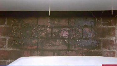 The entrance to the chimney.