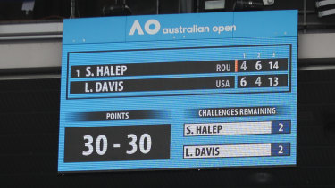 Halep and Davis go deep into the third set at the 2018 Australian Open.