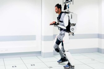 Thibault was able to walk nine metres in the AI-powered exoskeleton.