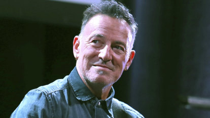Prosecutors drop drink-driving charge against Bruce Springsteen