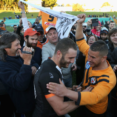 Robbie Farah's first stint at the Wests Tigers came to an end following an emotion-charged afternoon at Leichhardt Oval playing for the club's reserve grade side in front of a few thousand die-hard supporters.