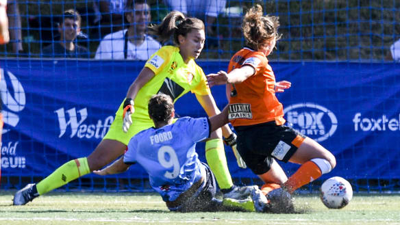 Foord hits another hat-trick as Sydney FC get back to winning ways