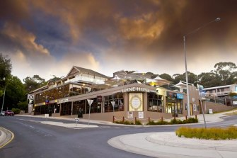Justin Hemmes purchased The Lorne Hotel through his Merivale Group.