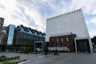 Students will not attend classes on Monash University's Clayton campus until two weeks after originally planned.