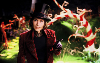 """Johnny Depp as Willy Wonka in """"Charlie and the Chocolate Factory"""": Netflix is about to buy the works of the late British novelist Roald Dahl, sources say."""