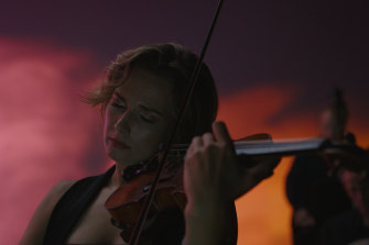 The Australian Chamber Orchestra, with principal violin Satu Vanska, perform Tabula Rasa.