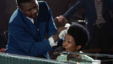 Raw: Aretha Franklin performing in Amazing Grace.