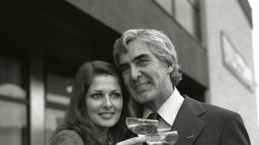 John DeLorean with his wife Cristina Ferrare in <i>Myth & Mogul: John DeLorean</i>.