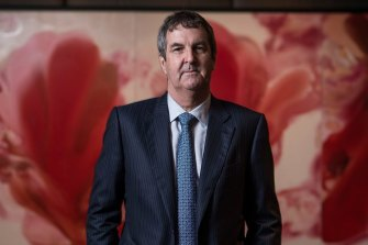 Former Crown Resorts CEO Rowen Craigie says the casino group did not influence which of its patrons received visas.