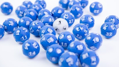 Queenslander wins $50 million Powerball jackpot, but doesn't know it yet