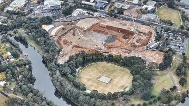 Construction on the 30,000-seat Western Sydney Stadium at Parramatta last year.
