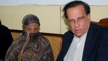 Asia Bibi, left, with governor Salman Taseer in 2010. Taseer was shot dead in 2011 after speaking out against Pakistan's blasphemy laws.