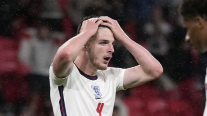 England boss looks to bigger picture after fans jeer disappointing draw with Scotland